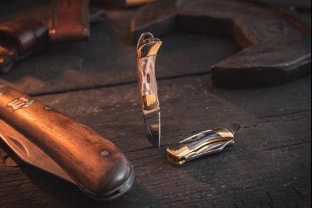 Sharp Mini Folding Pocket Knife Keychain with Brass Finish & Shell Handling Insert
