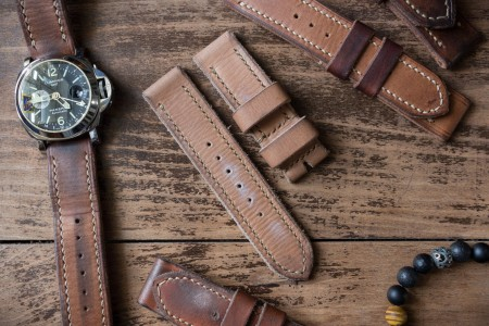 Distressed Handmade 24/24mm Tan Brown Oiled Leather Strap 129/85mm