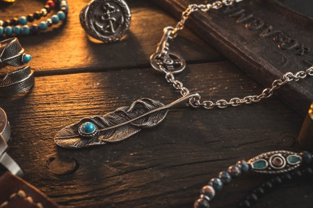Provebras - Stainless Steel Men's Necklace With Antiqued Eagle Feather Pendant