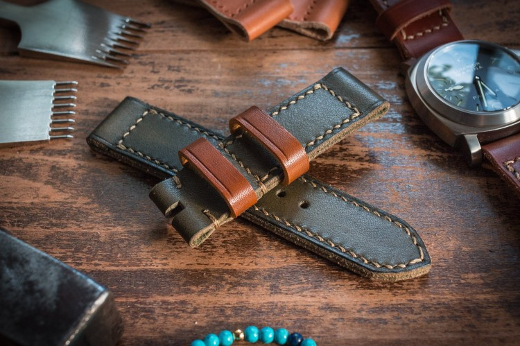 Antiqued Handmade 24/24mm Military Green Leather Strap 127/85mm from STRAPSANDBRACELETS