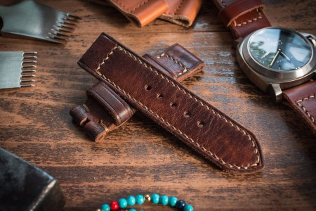Distressed Handmade 24/24mm Antiqued Reddish Brown Leather Strap 120/84mm with Beige Contrast Stitching