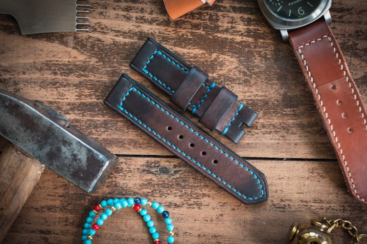 Handmade 22mm Antiqued Dark Brown Leather Watch Strap 122/86mm