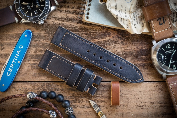 Antiqued Handmade 24/24mm Veg Tan Faded Black Leather Strap 125/78mm with Contrast Stitching