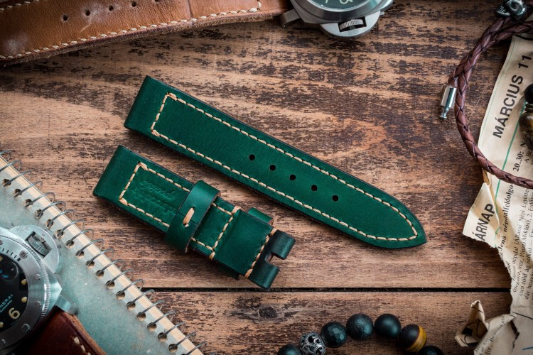 Antiqued Handmade 22/22mm Veg Tan Joker Green Leather Strap 125/80mm with Contrast Stitching
