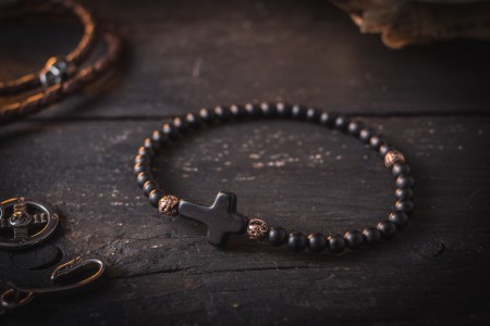 Baraxeon   - 4mm - Matte Black Onyx & Bronze Beaded Stretchy Bracelet with Black Cross