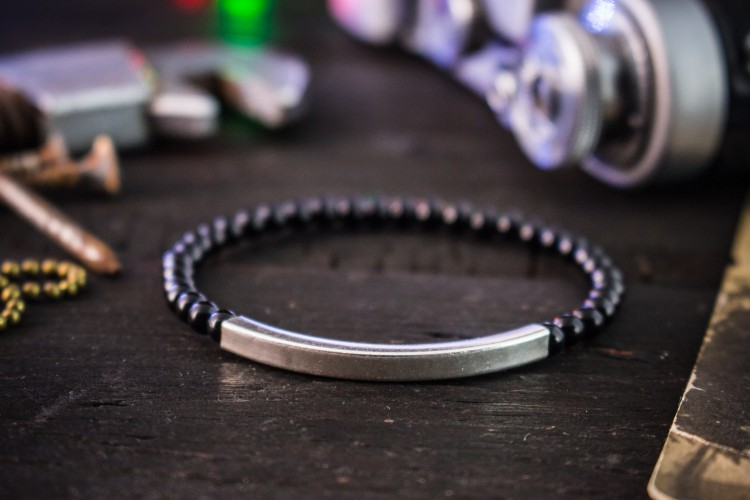 Dalloch - 4mm - Black Onyx Beaded Stretchy Bracelet with 925 Sterling Silver Tube Bead from STRAPSANDBRACELETS