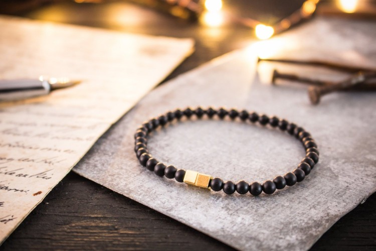 Stevan - 4mm - Matte Black Onyx Beaded Stretchy Bracelet with Gold Cube Beads