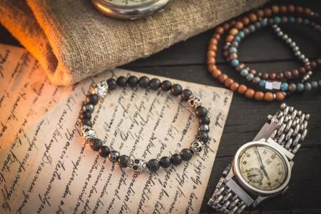 Conlin - 6mm - Black Lava Stone, Onyx And Hematite Beaded Bracelet with Silver Skulls