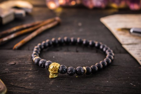Valdis - 6mm - Matte Black Onyx & Lava Stone Beaded Stretchy Bracelet with Gold Skull