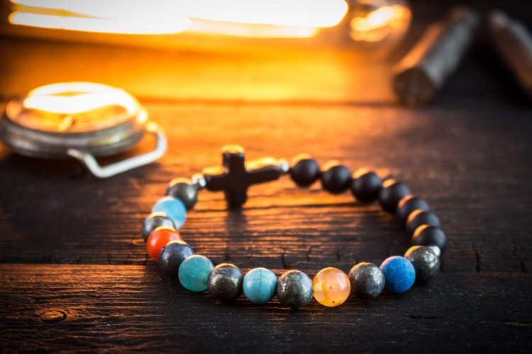 Rhuairidh - 8mm - Black Onyx & Various Natural Colorful Beaded Stretchy Bracelet with Black Cross