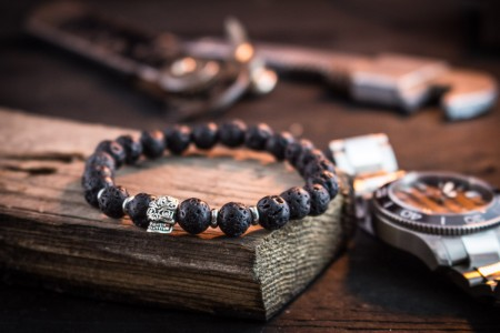 Badr - 8mm - Black Lava Stone Beaded Stretchy Bracelet with Silver Skull