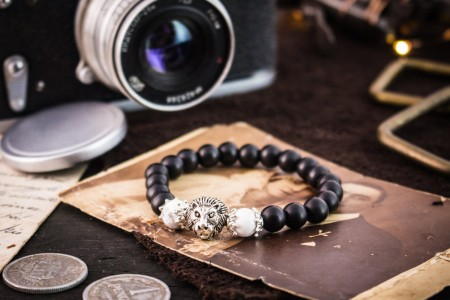 Andhrianos - 8mm - Matte Black Onyx Beaded Stretchy Bracelet with Silver Lion White Howlite Beads