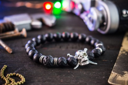 Ayman - 8mm - Matte Black Onyx Beaded Stretchy Bracelet with Silver Pirate Skull