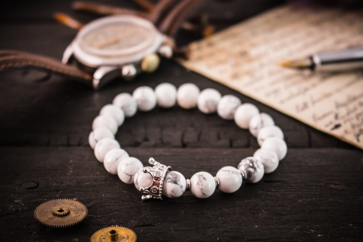 The King Collection -8mm - Set Of 2 - Matte Black Onyx And White Howlite Beaded Stretchy Bracelets with Micro Pave Crown, Black And White