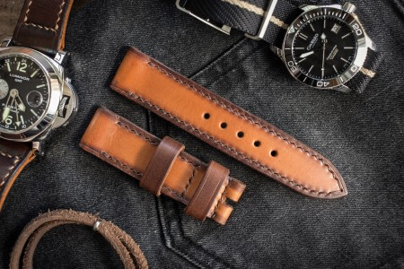 Antiqued Hand Stitched 22/22mm Veg Tan Brown Leather Strap 125/80mm With Darker Sides