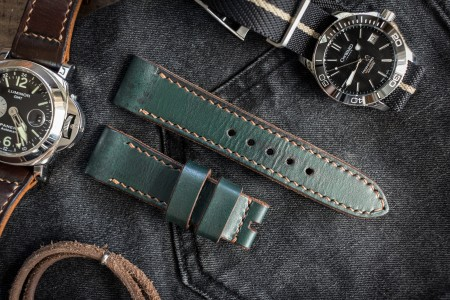 Antiqued Handmade 22/20mm Veg Tan Green Leather Strap 125/75mm With Contrast Warm Beige Stitching