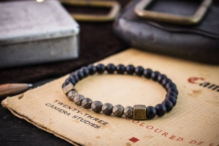 Addhafir - 6mm - Matte Black Onyx Beaded Bracelet with Bronze Hematite Beads