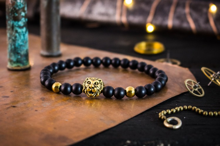 Riario - 6mm - Matte Black Onyx Beaded Stretchy Bracelet with Gold Lion