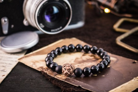 Barney - 8mm - Black And Matte Black Onyx Beaded Stretchy Bracelet with Rose Gold Lion