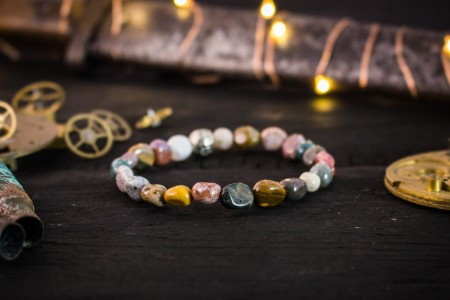 Haiden - Free Form, Natural Indian Agate Beaded Stretchy Bracelet